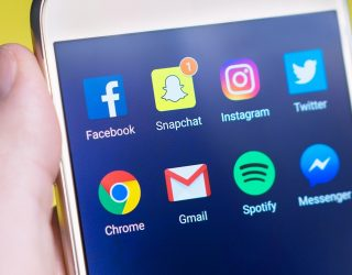 4 benefits of social media for truckers