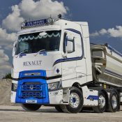 DW Moore Transport Ltd has finally taken delivery of its fleet's first Renault Truck - a T520 High 6×2 tractor unit.